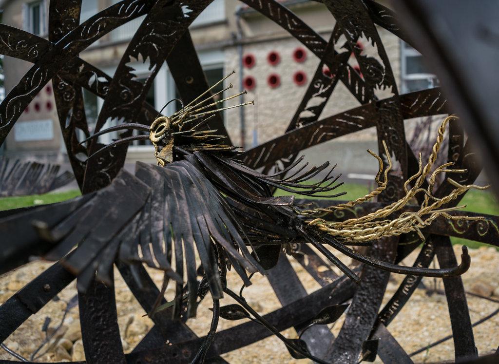 hegoak, l'oiseau/amour en cage... pour l'expo Manimal