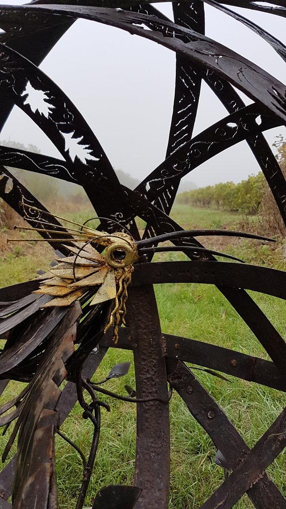 Hegoak , l'oiseau dans sa cage