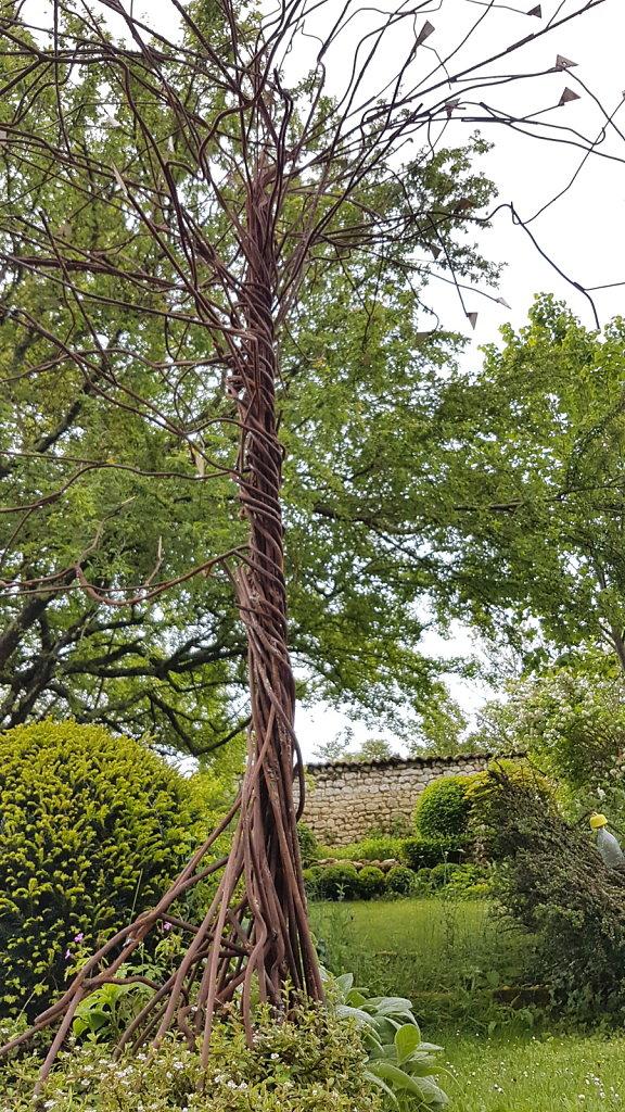 l'arbre de métal